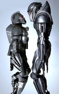Battlestar Galactica, the cylons from both series. Sci Fi Tv, Sci Fi Movies, Movie Tv, Movie Props, Cyberpunk, Gi Joe, Steam Punk, Kampfstern Galactica, Battlestar Galactica 1978