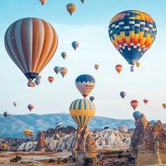 🇹🇷 meetincappadocia 🇹🇷🌍🛩 Location: 📍#goreme #cappadocia #kapadokya #turkey Picture by 📸 @ #cappadocia #goreme #tourist #instagram #destination #beautifuldestination #urgup #travelblog #blogger #travelblogger #uchisar #avanos #sinasos #vacation #hotairballoon #Smallhotels #travellers #art #handicraft #uniqueplace #amazingplace