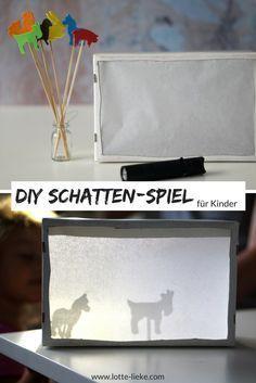 [DIY] Wir basten ein Schattentheater - New Ideas Kindergarten Portfolio, Kindergarten Lesson Plans, Toddler Activities, Activities For Kids, Diy For Kids, Crafts For Kids, Stop Motion, Shadow Theatre, Puppet Crafts