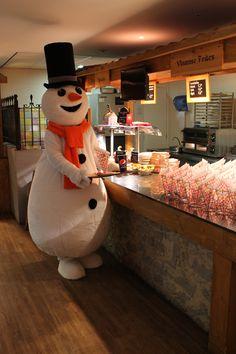 Welkom allemaal in mijn Snowparadijs! Van al dat skiën heb ik een flinke honger gekregen. Even pauzeren dus is mijn pisterestaurant. De chef heeft weer lekkere broodjes klaar gemaakt!