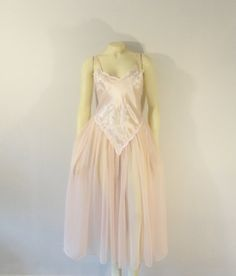 67b7e473d3 Items similar to Vintage Nightgown Victoria s Secret 80s Pink Satin    Chiffon Negligee Size Small on Etsy