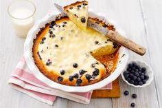 Samettinen marjapiirakka ilahduttaa kahvipöydässä. Kermaviilin sijasta mustikkapiirakkaa mehevöittää vaniljajogurtti. http://www.valio.fi/reseptit/jogurtti-mustikkapiirakka/