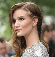 Быстрые причёски на каждый день для средних и длинных волос