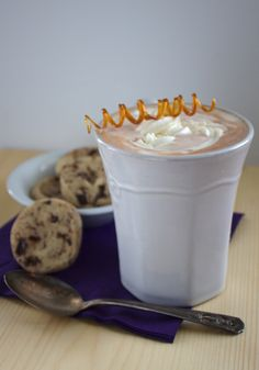 salted caramel hot chocolate mix and cocoa nib cookies {neighbor gifts} Salted Caramel Hot Chocolate, Hot Chocolate Mix, Cocoa Nibs, Neighbor Gifts, Christmas Stuff, Teacher Appreciation, Yummy Drinks, Sweet Stuff, New Recipes
