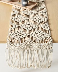 Diy Macrame Wall Hanging, Macrame Art, Macrame Projects, Macrame Mirror, Macrame Curtain, Micro Macrame, Cotton Cord, Tips And Tricks, Macrame Design
