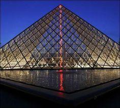 Claude Lévêque: The Greatest Show on Earth (Part 1), lightning