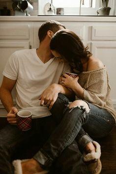 My love, vreau să-ti spun ceva, din suflet: NICIODATĂ nu o să te părăsesc. Ai înțeles?
