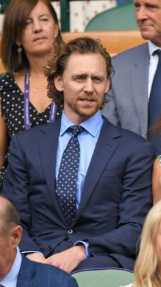 Tom Hiddleston attends Men's Final Day at the Wimbledon 2019 Tennis Championships at All England Lawn Tennis and Croquet Club on July 2019 in London, England. Tom Hiddleston Benedict Cumberbatch, Tom Hiddleston Loki, Tom Thomas, Thomas Sharpe, Greatest Villains, Thomas William Hiddleston, Jeremy Renner, British Actors, Wimbledon