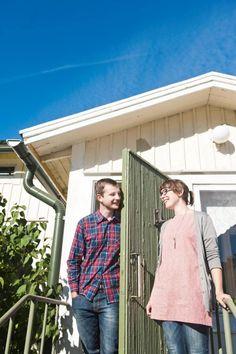 Jarkko ja Jaana Waarin uudessa Mietoisten kodissa käy paljon vieraita. Kuva: TS