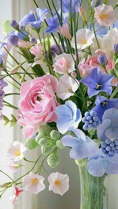 Deco Floral, Arte Floral, Beautiful Flower Arrangements, Floral Arrangements, Flowers Nature, Spring Flowers, Spring Colors, Amazing Flowers, Pretty Flowers