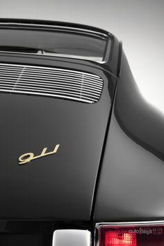 Details we like / Vintage / Porsche / 911 / Transportational / Rear View / takeovertime Porsche 356, Porche 911, Porsche Cars, Porsche Carrera, Porsche 911 Classic, Black Porsche, Ferdinand Porsche, Volkswagen, Vintage Porsche