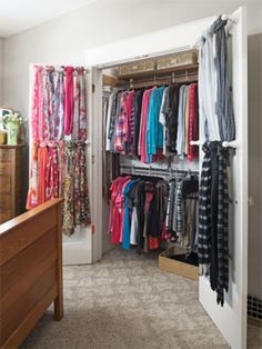 awesome 40 Ways to Organize a Small Closet