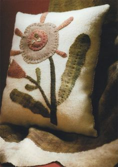 Wool Applique - Maggie Bonanomi - primitive rug hooking,wool applique,hand dyed wool,punch needle,cross stitch,patterns and supplies