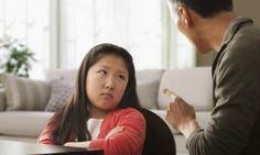 Những ứng xử bất thường của trẻ mà cha mẹ cần cảnh giác   Không có gì ngạc nhiên khi trẻ nhỏ thường xuyên phạm lỗi và thử thách sự dễ tính của bạn. Đó là cách chúng học được rằng hành vi nào được chấp nhận và ngược lại. Nhưng đôi khi bạn khó có thể nhận biết được liệu hành vi của con có bình thường hay là chúng đang gặp vấn đề nghiêm trọng về thái độ ứng xử.  Để nhận biết được điều này cha mẹ cần có hiểu biết nhất định về sự phát triển của trẻ theo từng nhóm tuổi. Điều bình thường với trẻ…