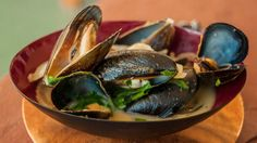 Recipe: Curry Beer Mussels A staple in many a beer-loving Belgian bistro, our twist on Moules à la bière calls for green curry and Grapefruit Honey Ale.