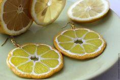 """Серьги ручной работы. Ярмарка Мастеров - ручная работа. Купить Серьги, кулон, комплект """"Лимоны"""". Handmade. Лимонный, серьги круглые, цитрусы, лимон, серьги."""