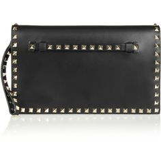 Valentino The Rockstud leather clutch (6,905 ILS) ❤ liked on Polyvore featuring bags, handbags, clutches, valentino, black, evening clutches, studded handbags, studded purse, leather purses and leather wristlet