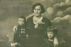 Etcia Goldberg hides her children in a cave to survive the Holocaust