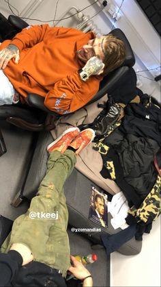 Bomber Jacket, Nike, Jackets, Tops, Photos, Fashion, Down Jackets, Moda, Pictures