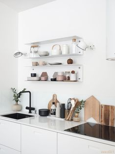 4 Tips For Kitchen Remodeling In Your Home Renovation Project – Home Dcorz Home Decor Kitchen, Interior Design Kitchen, Home Kitchens, Boho Kitchen, Kitchen White, Interior Modern, Apartment Kitchen, Minimalist Kitchen, Minimalist Decor