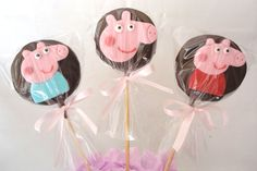 Peppa E George, George Pig, Best Party Food, Chocolate Lollipops, Minnie Mouse Cake, Golden Birthday, Pig Party, Party Time, Fondant