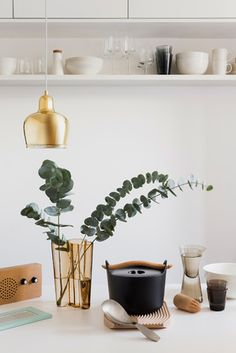 Browse the Scandi Style collection of gifts for your wedding list. Clean, high quality & functional design, characteristic of the ever popular Scandi style. Ultimate Wedding Gifts, Wedding Gift List, Wedding Tips, Wedding Planning, Pot En Fonte, Cast Iron Pot, Alvar Aalto, Scandi Style, Home And Deco