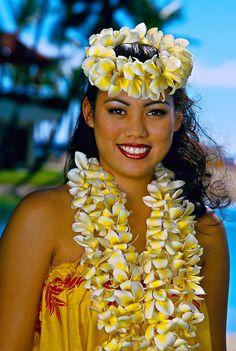 Hula dancer, Waikiki Beach, Honolulu, Oahu, Hawaii USA