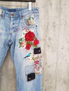 Patched Denim / Patched Jeans / Reworked Vintage Jeans with Patches / vintage brand jeans/painted denim/redone jeans /boyfriend jeans/ Vintage Jeans, Vintage Levi Shorts, Jean Vintage, Diy Jeans, Jeans Denim, Patched Denim, Skinny Jeans, Jean Rapiécé, Jean Diy