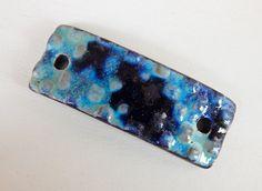 Handmade black Ceramic bracelet bar in blue and ocher . de Majoyoal en Etsy