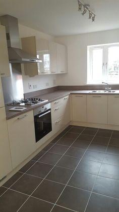 Kitchen Island Decor, Kitchen Room Design, Kitchen Cabinet Design, Modern Kitchen Design, Home Decor Kitchen, Interior Design Kitchen, Home Kitchens, Home Room Design, Kitchen Cabinets