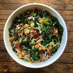 Riz basmati, riz sauvage, chou kale, pois chiche, tomate séchée, ail, coriandre, persil