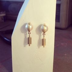 Gold & Pearls Gold Pearl, Swan, Belly Button Rings, Pearl Earrings, Pearls, Jewelry, Swans, Pearl Studs, Jewlery