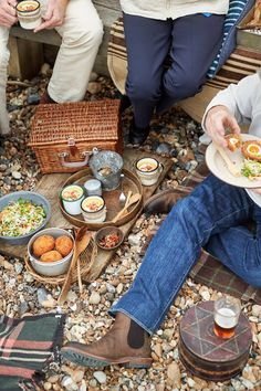 WK Arundel - picnic on the beach - english summer