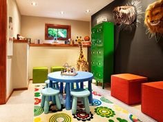 Jungle room for kids with chalkboard paint wall #kidfriendly