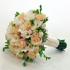 Картинки по запросу букет невесты Floral Wreath, Wreaths, Table Decorations, Wedding, Lightroom, Home Decor, Valentines Day Weddings, Floral Crown, Decoration Home