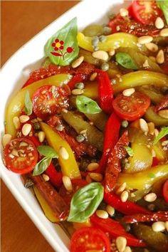 Salade aux poivrons, deux tomates et assaisonnement de choc_3