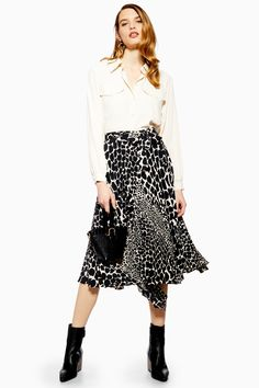 461b65a5ae Carousel Image 0 Midi Skirt Outfit, Pleated Midi Skirt, Skirt Outfits,  Sequin Skirt