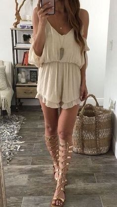 This outfit looks so cute with these gladiator sandals! #GladiatorSandals