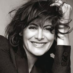 Inès de la Fressange: conheça a francesa símbolo do estilo La Parisienne Carolyn Bessette Kennedy, Cara Delevingne, Gossip Girl, Uniqlo, Karl Otto, Beautiful People, Beautiful Women, Foto Top, Parisienne Chic