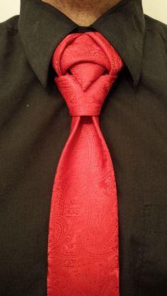 Viele Ideen für originelle Krawattenknoten finden Sie hier