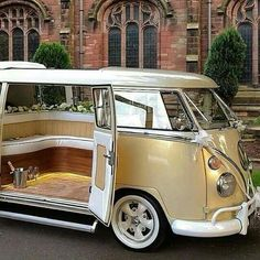 55 Awesome Camper Van Design Ideas for VW Bus 55 Awesome Camper Van Design Ideas for VW BusThe Volkswagen Bus is one of the most iconic vans ever manufactured and is the epitome of trave Volkswagen Bus, Volkswagen Transporter, Kombi Trailer, Vw Caravan, Bus Camper, Campers, Wolkswagen Van, Combi Ww, Combi Split