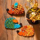 Here is our pick of easy fall crafts for kids! With these amazing ideas, you can create seasonal fall crafts for toddlers with them! Kids Crafts, Halloween Crafts For Toddlers, Easy Fall Crafts, Halloween Crafts For Kids, Toddler Crafts, Preschool Crafts, Felt Crafts, Diy For Kids, Diy And Crafts