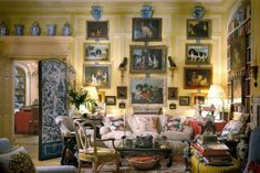 Mario Buatta: Fifty Years of American Interior Decoration : Architectural Digest Another favorite American Interior, English Interior, Antique Interior, Architectural Digest, Jean Louis Deniot, Mario Buatta, Trumeau, Apartment Decoration, English Country Decor
