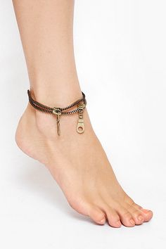 Punk Style Zipper Anklet -- I need to figure out how to DIY this!
