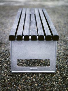 Länna Möbler - Block Smal Bänk från Byarums Bruk - Länna Möbler - Handla online Cast Aluminum and stained pine.