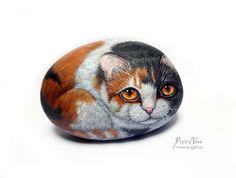 Kitty stone art, hand painted cat on stone by Ernestina Gallina
