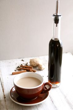 Mat på Bordet: Pepperkakesyrup Gingerbread Latte, French Press, All Things Christmas, Coffee Maker, Kitchen Appliances, Mat, Treats, How To Make, Food
