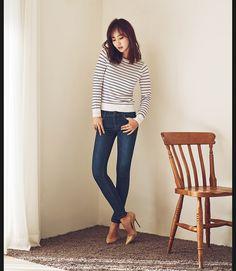 Yuri for Blackey Jeans summer 2017 South Korean Girls, Korean Girl Groups, Yuri Girls Generation, Kwon Yuri, Summer Jeans, Girl Day, Snsd, Kpop Girls, Female