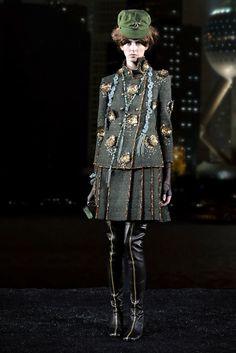 Chanel Pre-Fall 2010 Fashion Show - Jennifer Messelier