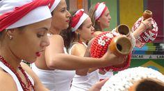 Maracatu e arte circense dão as boas-vindas para a primeira edição da Virada Cultural de Belo Horizonte.
